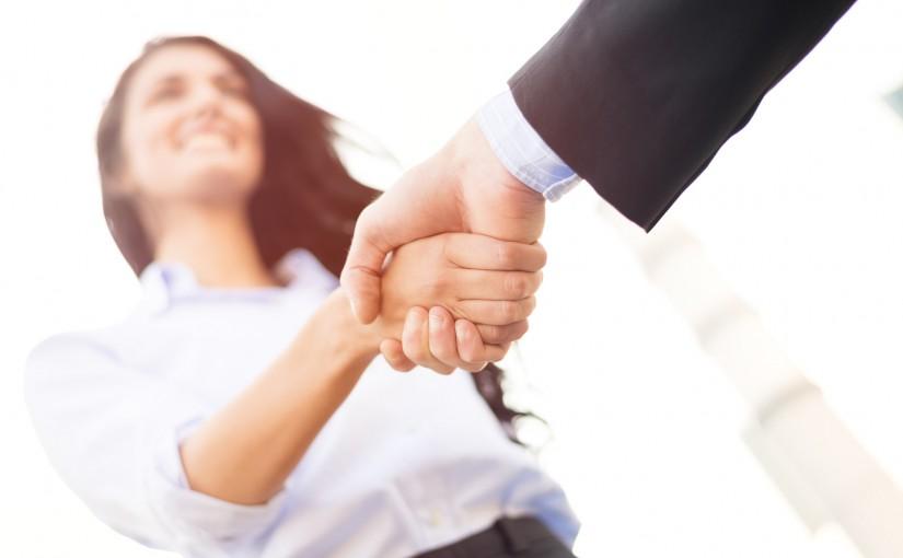 Poignée de main, entretien d'embauche